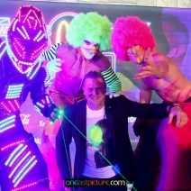 photo_mcwonderland_goes_neon_glow_onelastpicture.com4