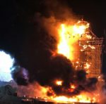 Mega Feuer bei Tomorrowland Unite in Barcelona